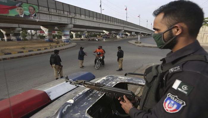 Lockdown in Pakistan बेहाल हुआ कोरोना से, दो सप्ताह का लॉकडाउन लग गया, देखें क्या हैं हालात-Hindi News