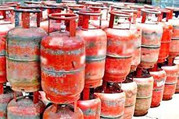 घरेलू गैस-सिलेंडर पर सब्सिडी 153.86 रुपये से बढ़ कर 291.48 रुपये  जानें, आपको कैसे मिलेगा लाभ-Hindi News