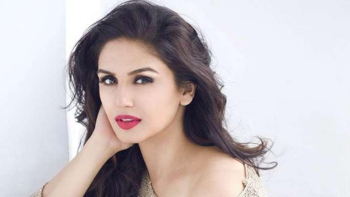 Bollywood एक्ट्रेस हुमा कुरैशी की भी हाॅलीवुड में एंट्री, इस थ्रिलर मूवी में दिखाएंगी जलवा-Hindi News