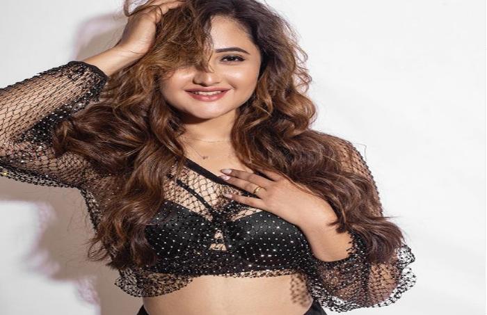 Rashmi Desai ने ब्लैक बिकिनी पहन शेयर की बोल्ड फोटोज, फैंस कर रहे लाइक्स-Hindi News
