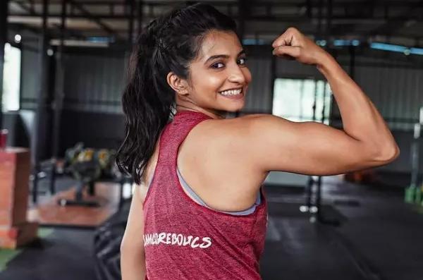 भारत की Kerala Girl संजना जॉर्ज WWE में दुनिया के पहलवानों को चटाएंगी धूल-Hindi News