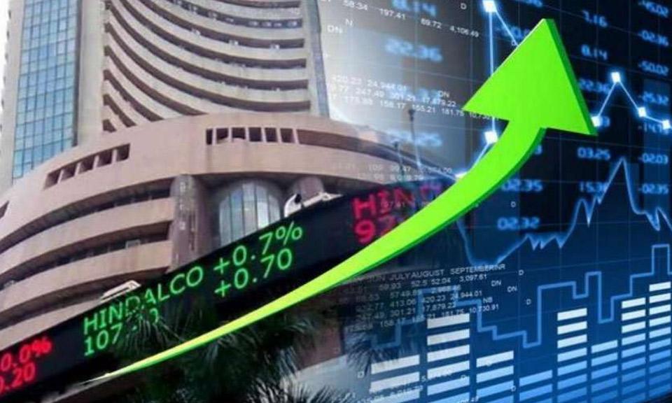 नीतिगत दरों में कोई बदलाव नहीं करने से शेयर बाजार में उछाल, सेंसेक्स में 460 अंकों की बढ़त-Hindi News