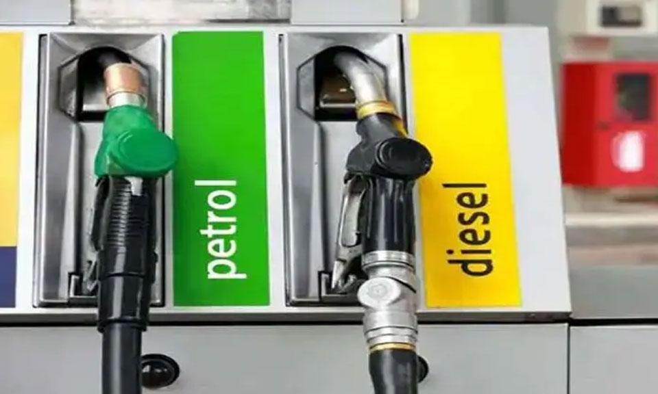 Indian Oil : पेट्रोल, डीजल के दाम में 12 दिन से स्थिरता जारी, सीमित दायरे में कच्चा तेल का कारोबार-Hindi News