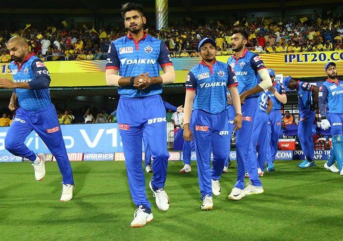 IPL 2021 में कोरोना का खौफ! दिल्ली कैपिटल्स की टीम हुई आइसोलेट-Hindi News