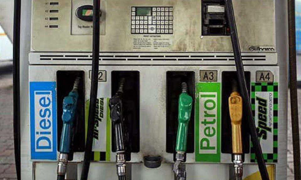 Corona crisis के बीच दो महीने बाद बढ़े पेट्रोल-डीजल के दाम, जानें प्रमुख शहरों की रेट-Hindi News