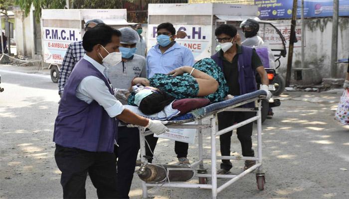 फिर बढ़ा संक्रमण, मरने वालों की संख्या में बन रहा रिकार्ड-Hindi News