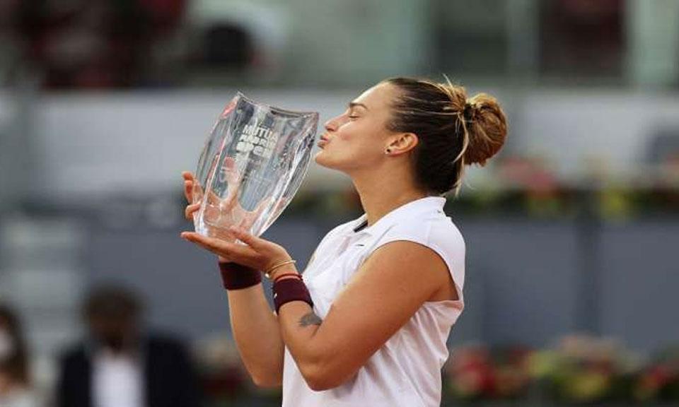 Madrid Open : आस्ट्रेलिया की नंबर-1 अश्लेग बार्टी को हराकर सबालेंका बनीं मैड्रिड ओपन चैंपियन-Hindi News