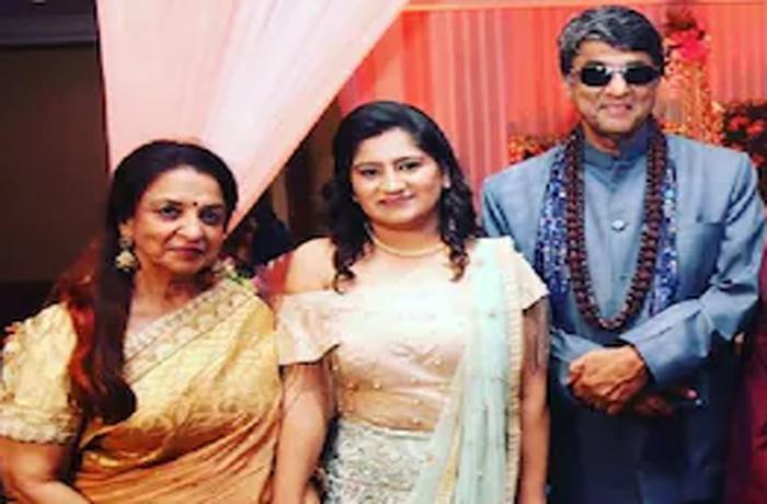 'शक्तिमान' Mukesh Khanna की बड़ी बहन का निधन, अस्पताल में बेड नहीं मिलने से खो दी अपनी इकलौती बहन-Hindi News
