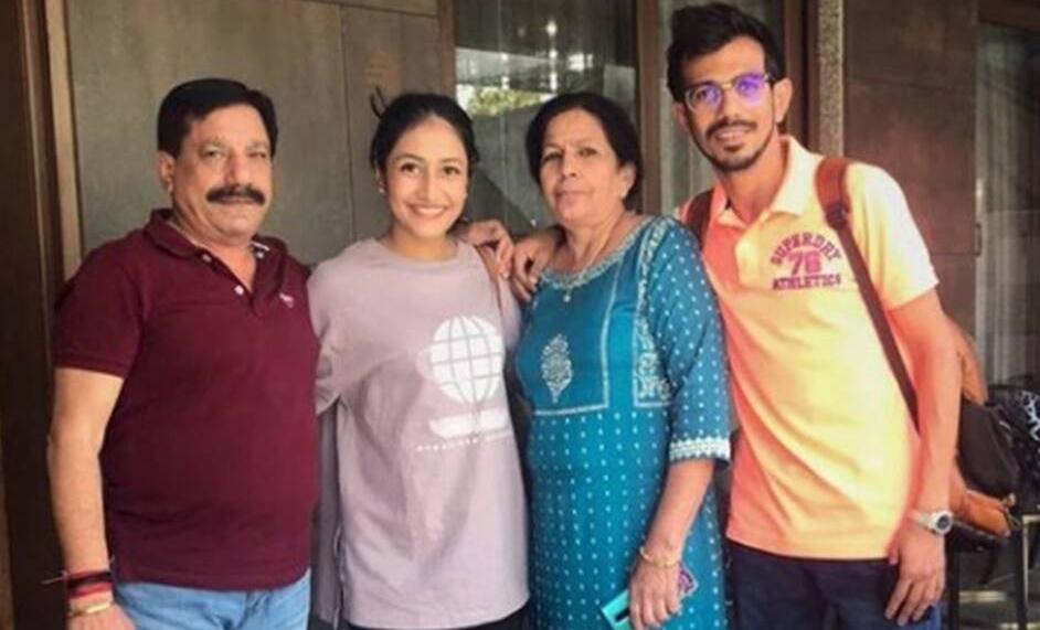 Team India के खिलाड़ी Yuzvendra Chahal के परिवार में कोरोना की एंट्री, पिता हाॅस्पिटल में एडमिट, मां का घर में चल रहा इलाज-Hindi News